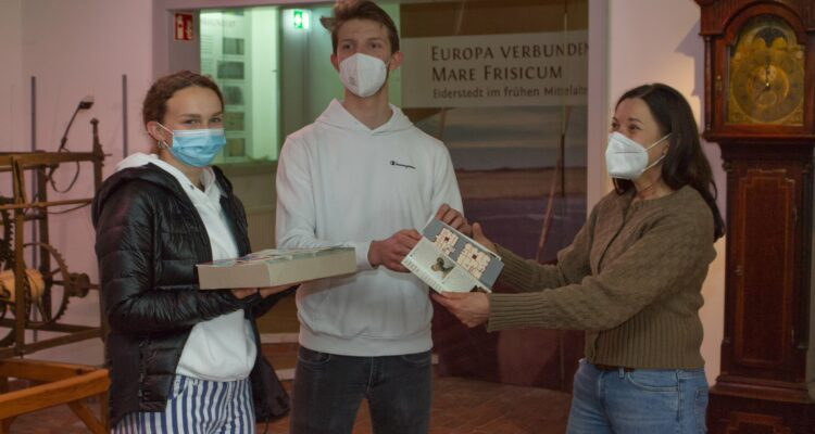 Katja Sinn, Nadja Belarbi und Leander Martin