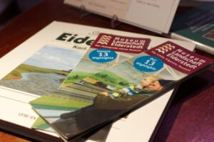Die Info-Broschüre in englischer und deutscher Fassung. Foto: Schönherr